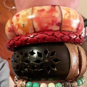 3 vintage bangles